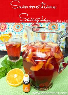 Delicious Summer Sangria Recipe (both alcoholic and non-alcoholic versions) | www.decorchick.com @Decorchick