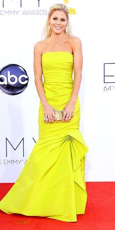 Emmys' Arrivals Gallery - Emmy Awards 2012 : Julie Bowen