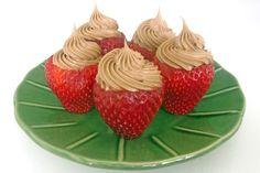 Chocolate mousse stuffed strawberries....ummm...yummmy!!