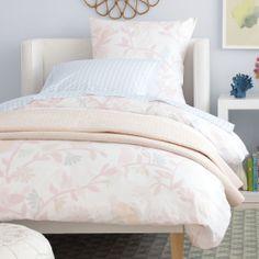 Broderick Shelter Bed | Serena  Lily