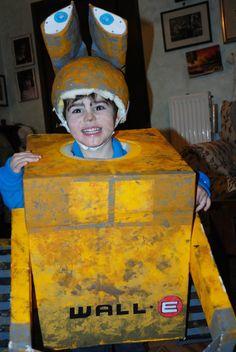 Carnevale: 5 costumi fai da te dagli scatoloni di cartone
