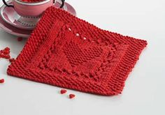 A cute square to make dishclothes or a blanket. Pattern for free.