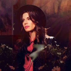 Meghan Ory } Little red riding hood
