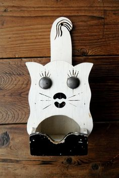 vintage hanging kitty match holder circa 1930s via centralavenue $32