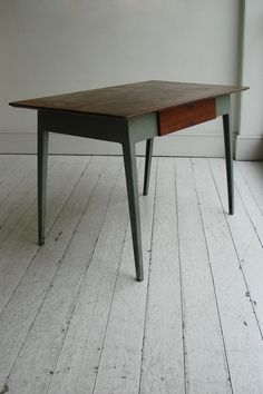 James Leonard Masters Desk (Esavian)