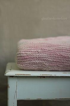 inspiration : couverture en tricot rose