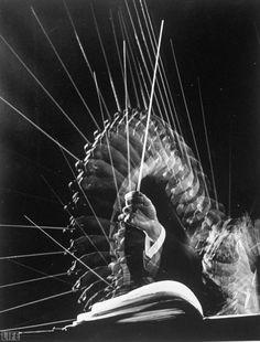 Stroboscopic image of the hands of Russian conductor, Efraín Kurtz.    Photo by Gjon Mili, 1945.