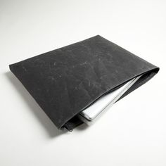 Gorgeous laptop case made from a traditiona, sustainable Japanese paper!