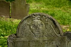 Crying Skull Gravestone by paghababian, via Flickr