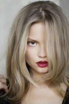 Deep, dark red lips #lipstick // Also love the hair color #beauty