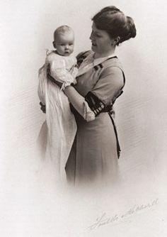 Mother and infant, 1914. Emily and John Ernest Tinne.