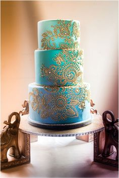henna designs, indian weddings, gold cake, cake idea, blue, indian wedding cakes, cake stands, aqua weddings, parti idea