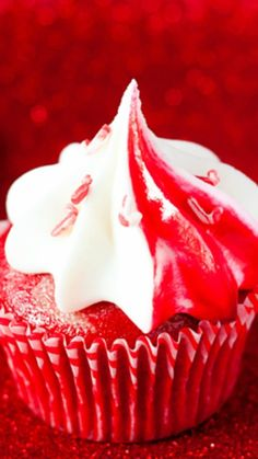 Marble Peppermint Candy Cupcakes with Peppermint Candy Buttercream Recipe