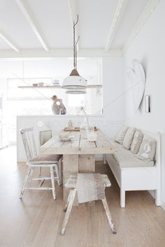 kitchen tables, rustic kitchens, kitchen spaces, natural house, white kitchens