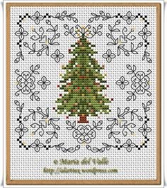 Christmas Tree and Blackwork free chart from AlarTTex