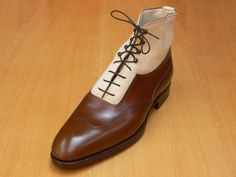 Model 402, classic last, calf and deer leather