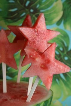 A fun way to eat watermelon on the 4th of July! Popsicle sticks, watermelon and star shaped cookie cutters is all you need!