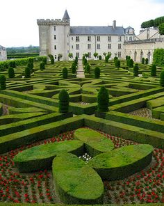 french touch, french chateaus, hedges, franc french, french thing