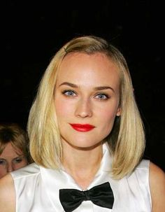 Diane Krugers blonde shoulder length hairstyle