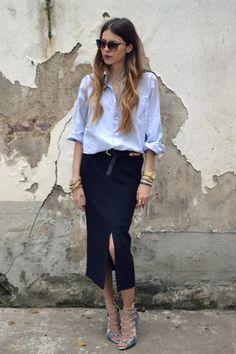 Blusa negra con jeans