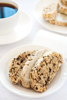 walnut cOffee biscOtti white chOcOlate