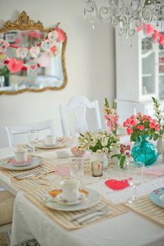 Domestic Fashionista: Vintage & Feminine Valentine's Day Tea Party