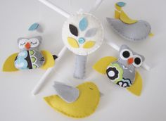Felt crib mobile. Just don't make the owls.