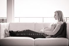 http://www.kimhildebrand.com/uncategorized/lifestyle-maternity-photo-session-in-seattle-midcentury-home/