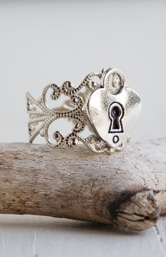 Silver Filigree HEART Lock RING Vintage Style