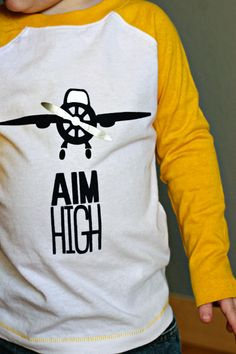 Make your own Airplane Shirt with your Silhoeutte | Heat Transfer | created by Tori Grant