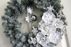 Easy Winter DIY Wreath made with Christmas ornaments and a few surprise items! LivingLocurto.com