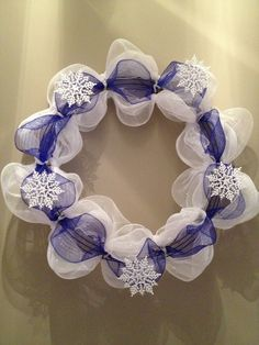 DIY Holiday Wreaths I want to try this!