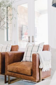 Design Loves Detail Fall Tour with simple ideas to add touches of autumn to your decor.
