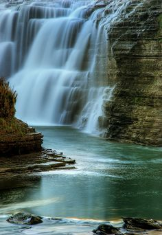 Upper falls of the Genesee River at Letchworth State Park, NY