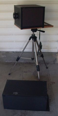 A simple wet plate collodion camera.