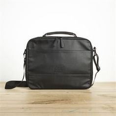 bagagerie on pinterest chemises camouflage and denim. Black Bedroom Furniture Sets. Home Design Ideas