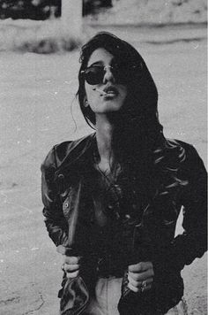 #grunge #perfect #sexy #black #<3 #hair #glasses #Clothes #cigarette
