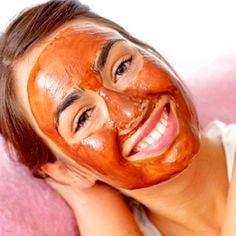Eliminate Former Acne With Tomato Mask, pimples dates back to a small room which was very annoying. Although only a few days perched on the face, traces can be left behind in a very long time. Acne scars can lower self-esteem and makes makeup is not pretty. To remove the new acne blemishes, you can use natural ingredients with no side effects. Tomato is a natural substance that contains anti-inflammatory ingredients that can dry out the pimple and gently removes the stain.