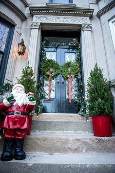 Christmas Stoop Deco