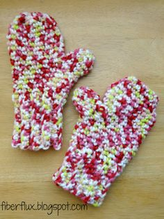 Toddler mittens by Fiber Flux with link to FREE Pattern
