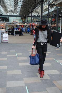 hat & cowboy boots