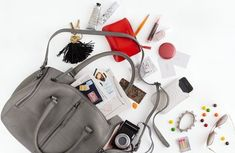 It's In the Bag: Organizing the Contents of Your Handbag // Live Simply by Annie