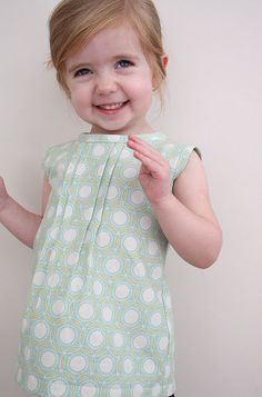 girl's pleated top tutorial