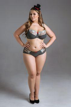 Viktoria Manas , curvy model