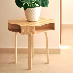 Using three cheap Ikea objects and some other basic material, create and original table that will catch all the glances at home.