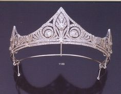 sleeping beauty, royal families, princess, tiara, queen, crown, diamond, white gold, art deco