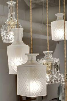 ¿Se te había ocurrido hacer una lámpara con frascos de vidrio? ¡Queda muy bueno!
