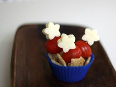 Super simple star shaped cheese, tomatoes and crackers for July 4th tomato