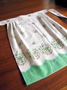 Vintage apron -how simple is this - a lightly gathered rectangle