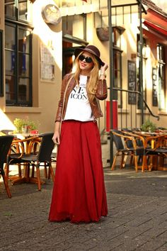 Gorgeous red maxi skirt outfit
